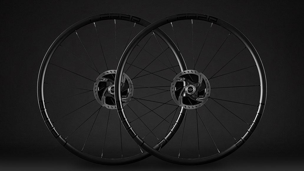 Leeze CC25 Gravel Evo WSTO, black, Laufräder, Test